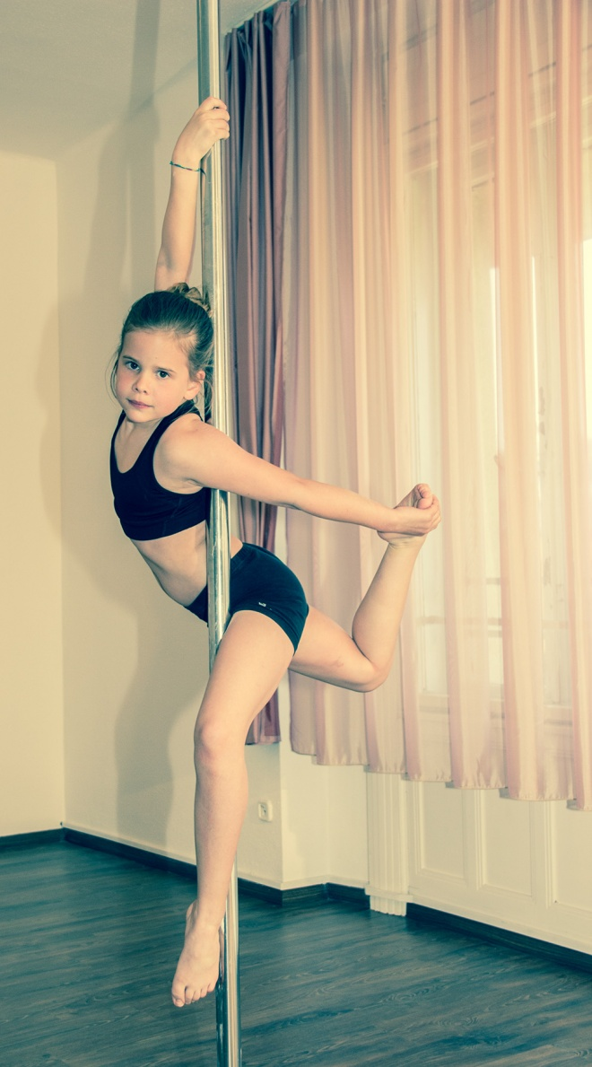 Pole Fitness Junior Artpole Buda Studio
