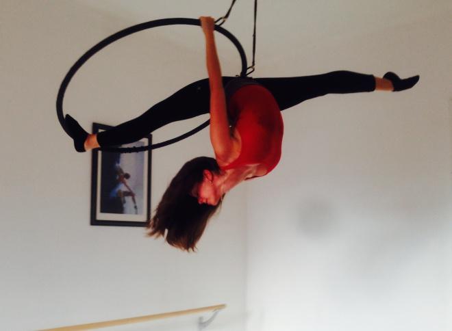 rúdtánc karika aerial hoop